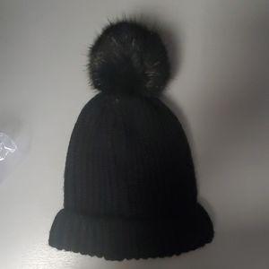 Black knitted pom pom beanie